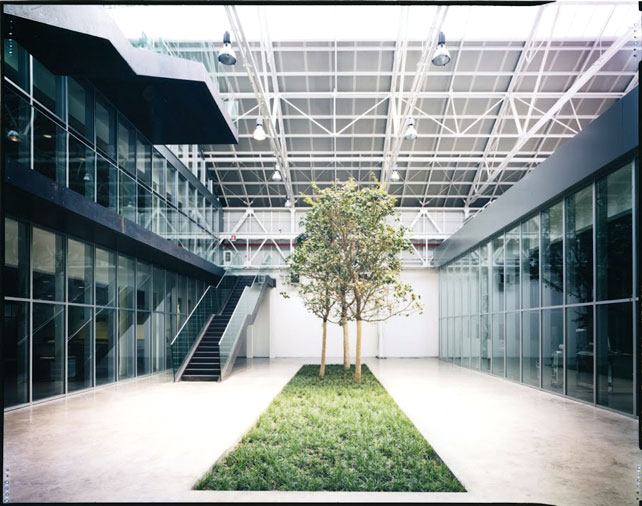 Dalmine Tenaris, Distretto industriale, Dalmine (BG). Progettisti: Caruso-Torricella Architetti (1998-2008).