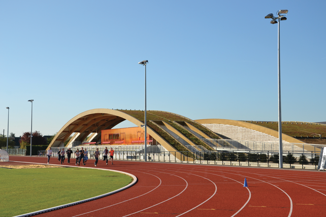 Stadio di atletica, Le Neubourg, Francia, 2013.