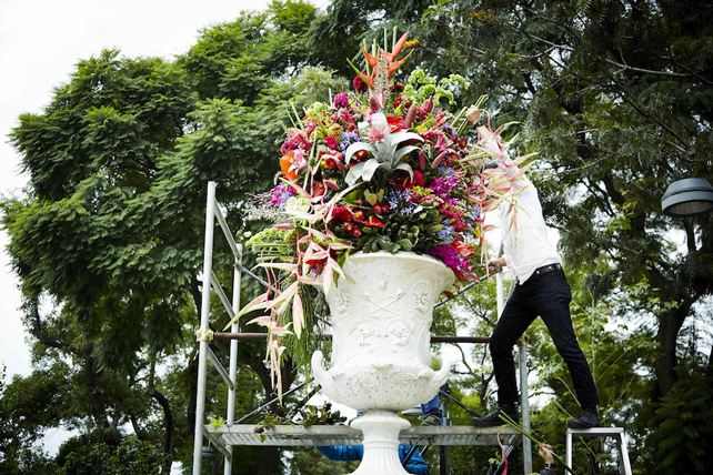Flower Decoration, Mexico City (Alameda Central), 2013. © AMKK