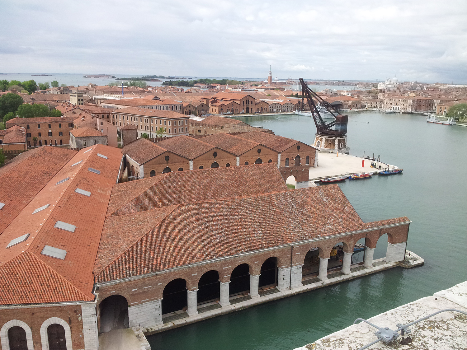 Overview Arsenale_Photo by Andrea Avezzù - Courtesy La Biennale di Venez...